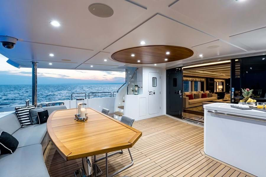 Main deck aft lounge and diner with bar