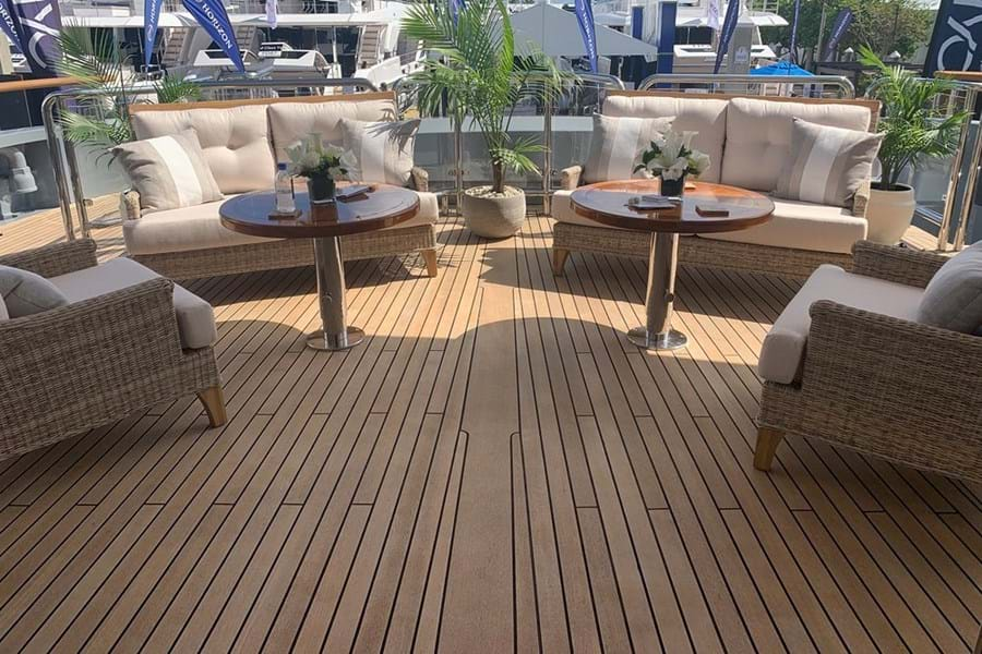Main deck aft lounge area