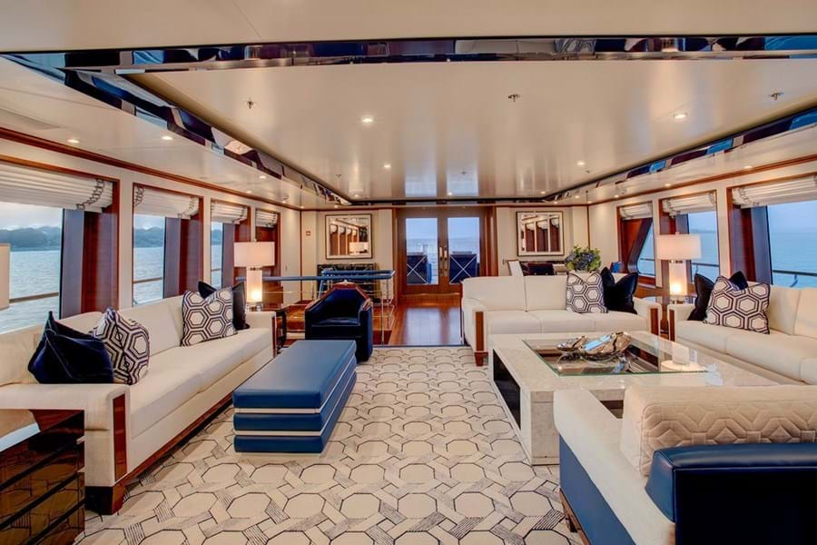 The bright, restful and welcoming main saloon