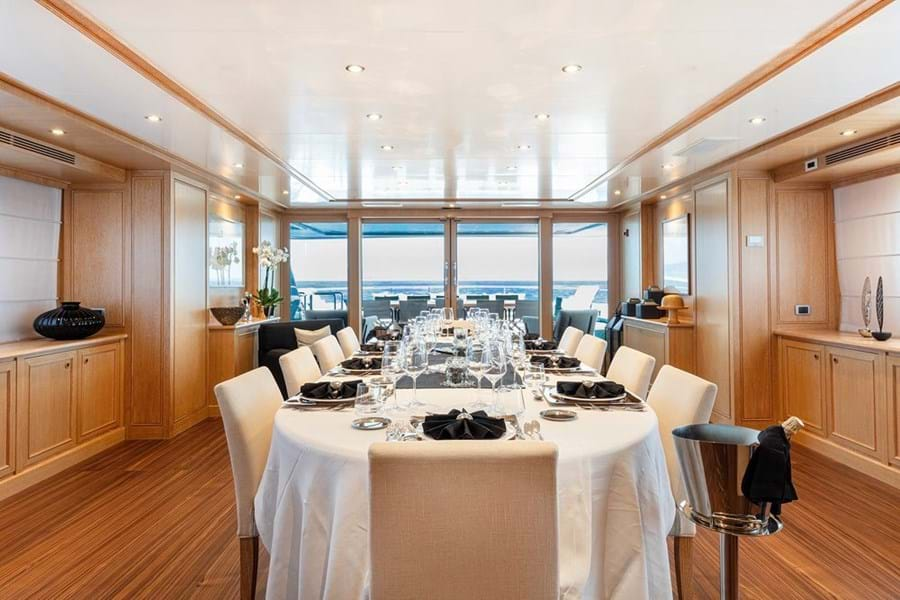 The bridge deck is dedicated to dining. Inside is a dayhead and a huge dining room for 12 guests with abundant surrounding space