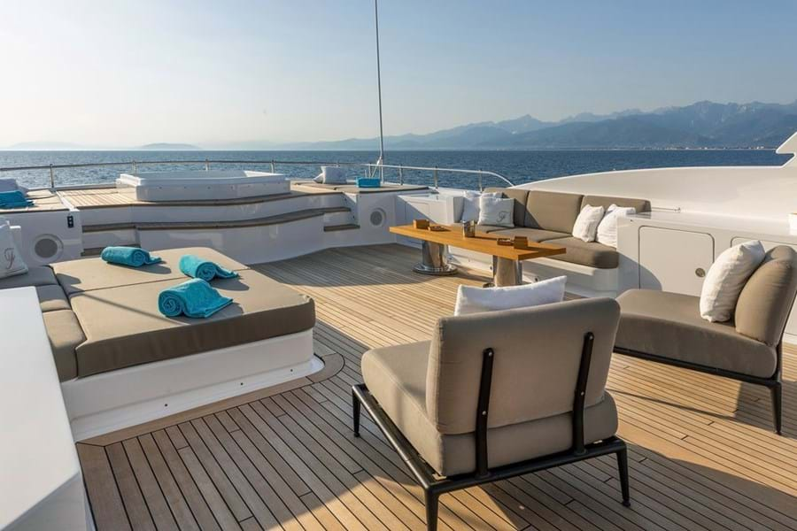 The sun deck has a jacuzzi forward flanked by sunpads, a lounge suitable for open air snacking opposite a daybed