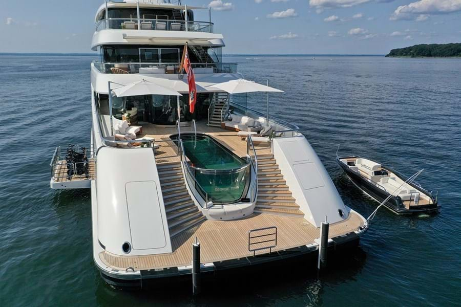 There is an 8m infinity pool on the main deck aft