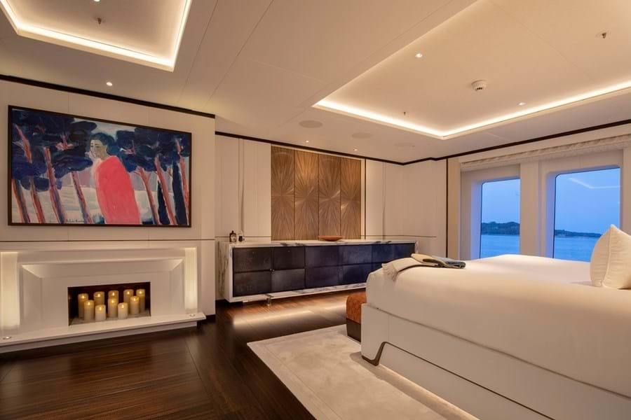 She has a full-beam owner's suite on the main deck