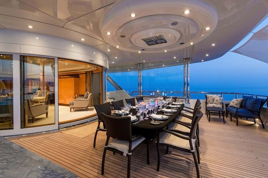 Private dining on the dedicated owner's deck