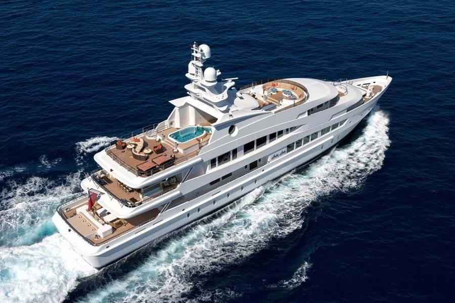 LUCKY LADY has the sun deck of a much larger yacht