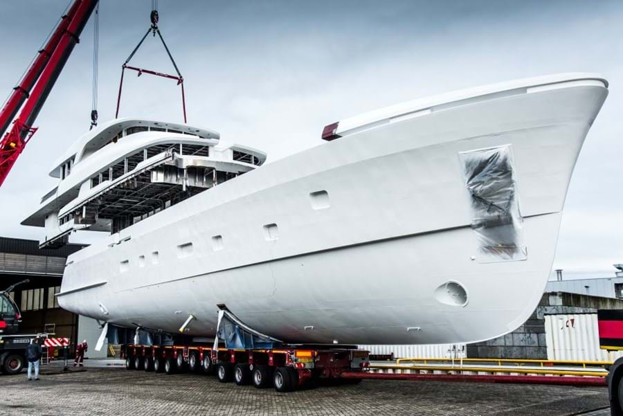 MARTINIQUE's hull and superstructure are united at the Moonen yard