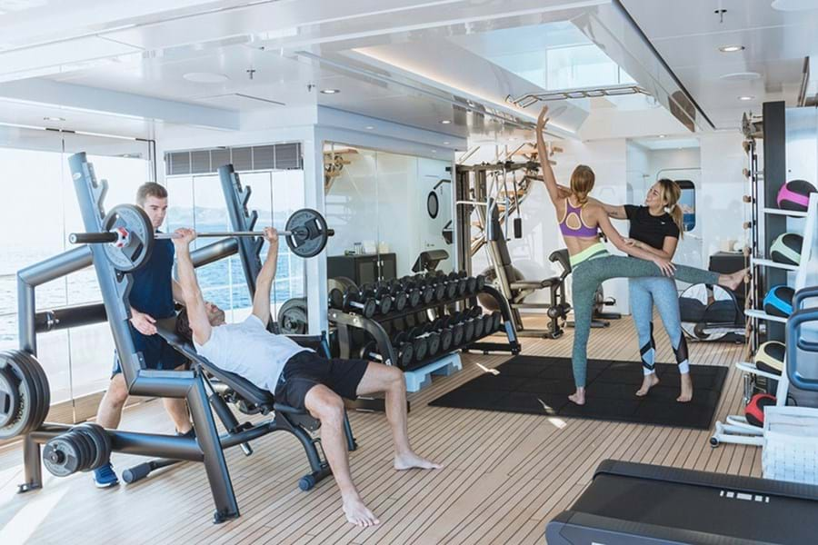 Work out with a personal trainer in a dedicated gym