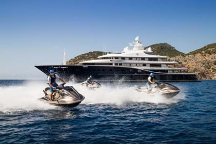 Motor yachts for charter